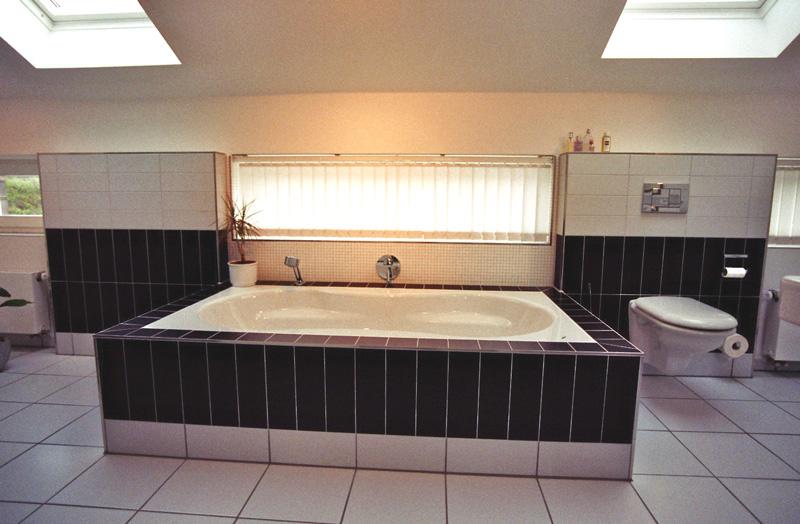 Badezimmer badewanne for Badewanne badezimmer