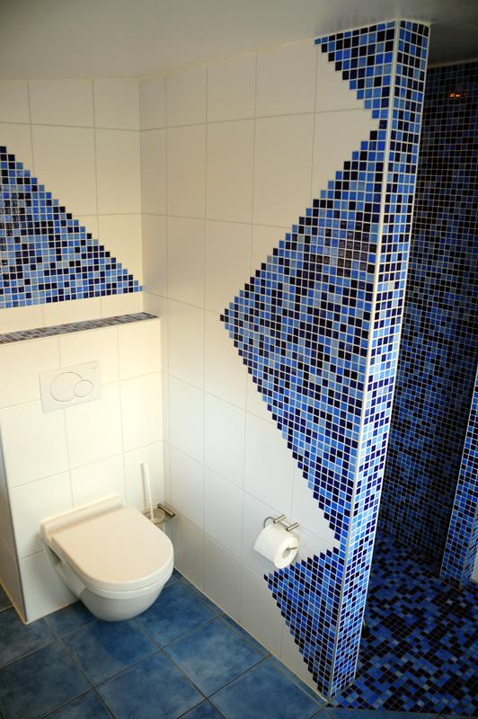 Photo Badezimmer Dangastermoor Varel Oldenburg WC Dusche Mosaik