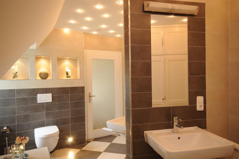 Fesselnd Photo Badezimmer Langendamm Zetel Varel Oldenburg WC Steinfliesen Waschtisch