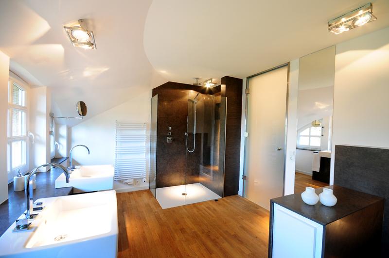 Badezimmer Wandablage ~ ModernesBadezimmerVarelOldenburgMoorhausen2DuscheWaschtisch